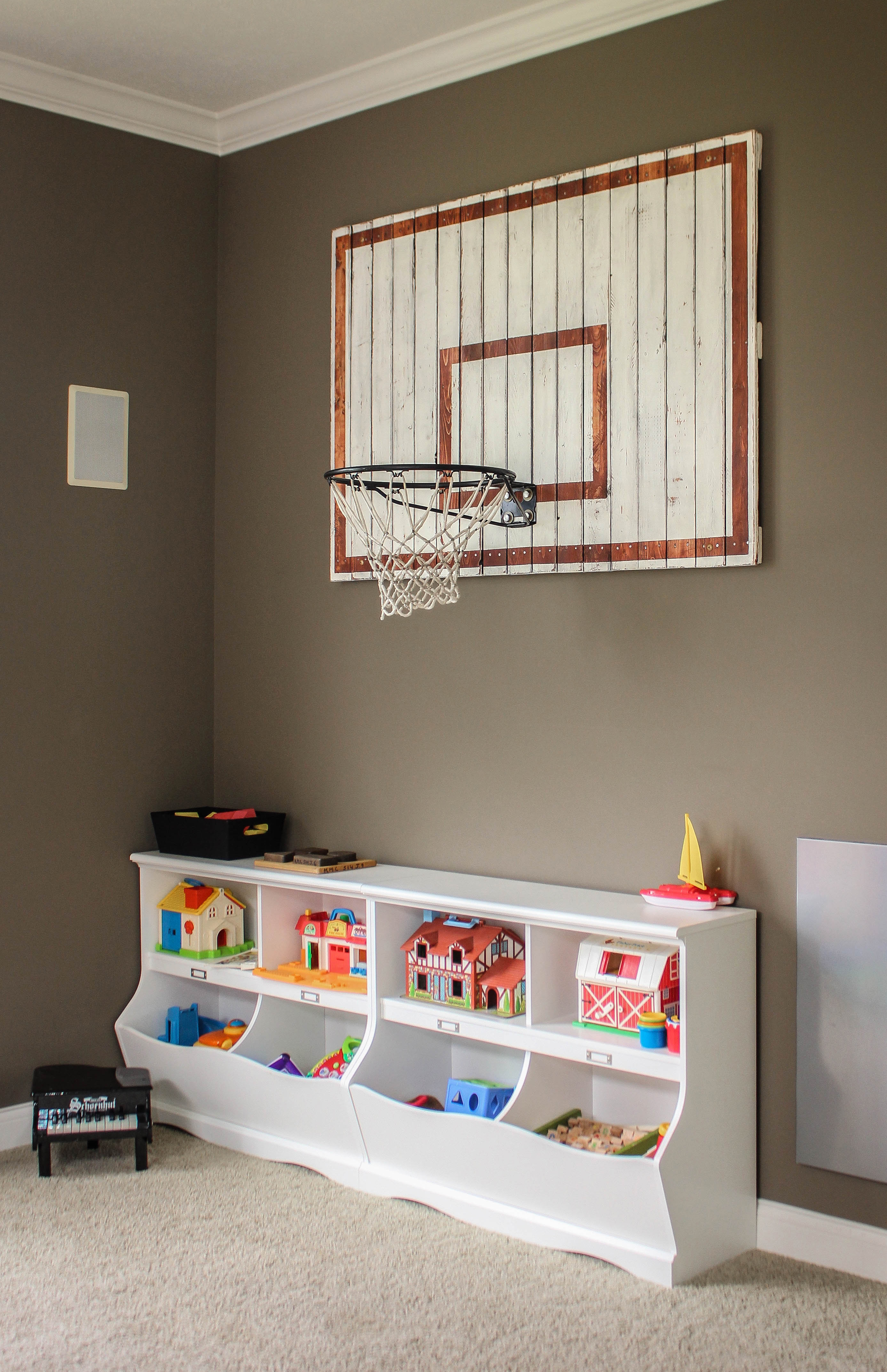 Indoor basketball hoop ruggy diy for Basketball hoop for kids room
